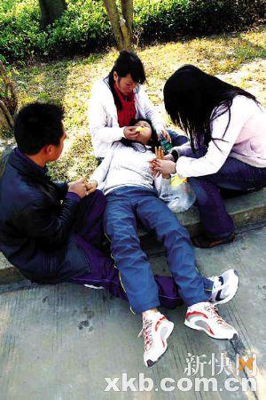 湛江解放军422医院_广东湛江特大车祸11名死者身份确认_新闻中心_新浪网