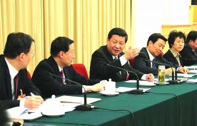 3月8日,中共中央总书记、中央军委主席习近平参加了十二届全国人大一次会议江苏代表团审议。  于先云 摄