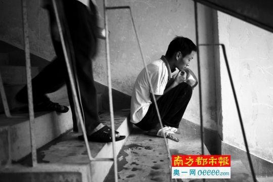 在深圳漂泊者�P�酆诵模�期待用�的神�病患者。南都�者 郭�F中 �z(材料�D像)