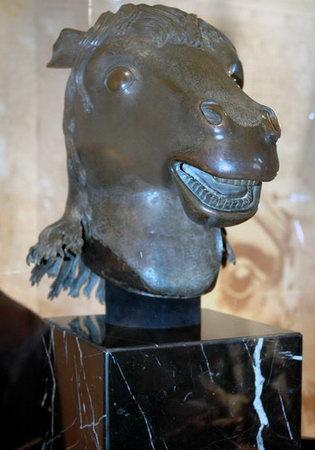 圓明園馬首銅像在澳門公開展出(組圖)