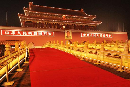 北京金水桥图片_组图:天安门金水桥铺设红地毯迎国庆_新闻中心_新浪网
