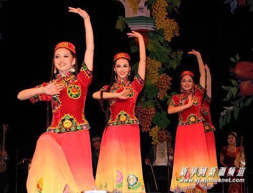 惠灵顿天气_组图:新疆歌舞团演员在新西兰表演_新闻中心_新浪网