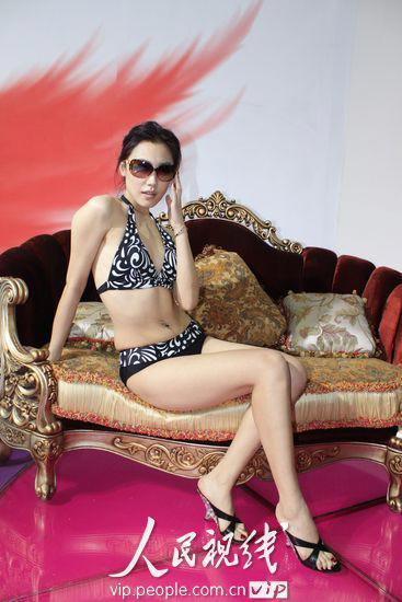亚洲超大胆裸体美女_深圳内衣展模特超大胆