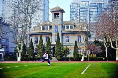 钟楼教育_汇文书院钟楼是金陵中学的标志性建筑,也是南京教育的符号.