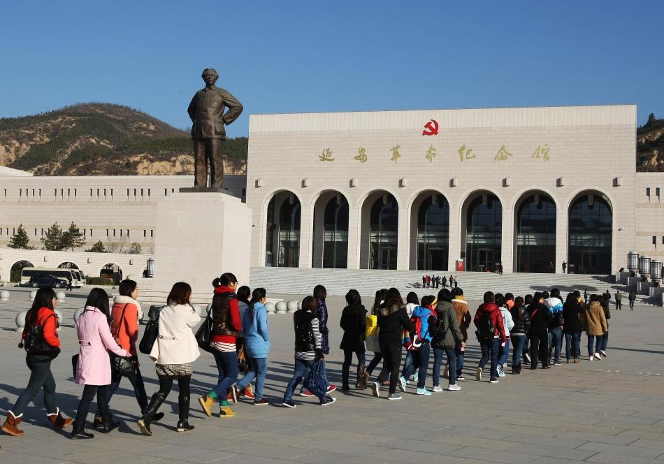 黑龙江旅行�_延安红色旅游升温迎十八大--新疆网--新疆门户