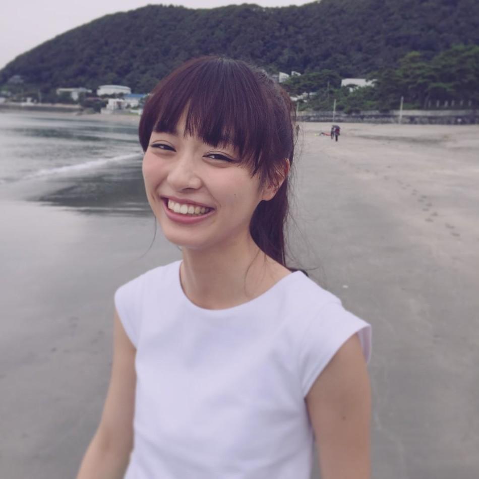 不止于游戏 美少女内田理央出演真人版《电锯甜心》