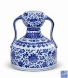 清乾隆 青花纏枝靈芝花卉紋如意耳葫蘆瓶