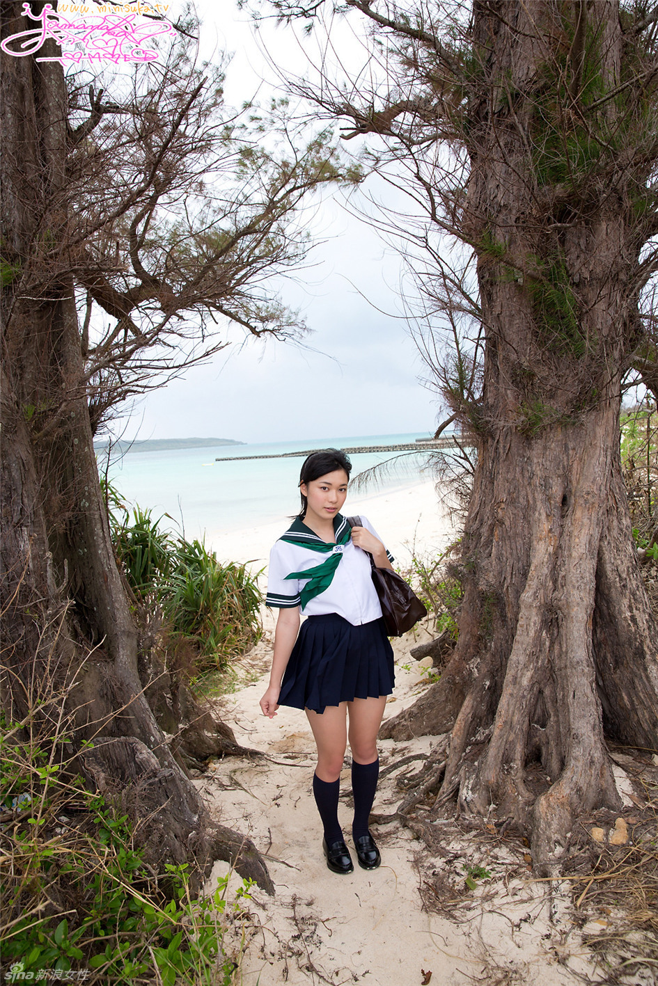 日本学生妹制服裙翻飞海边脱衣玩耍好刺激 - 帅哥美女 - 倍可亲