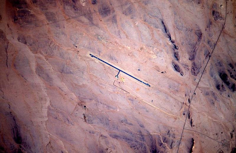 宇航员震撼拍摄全球机场