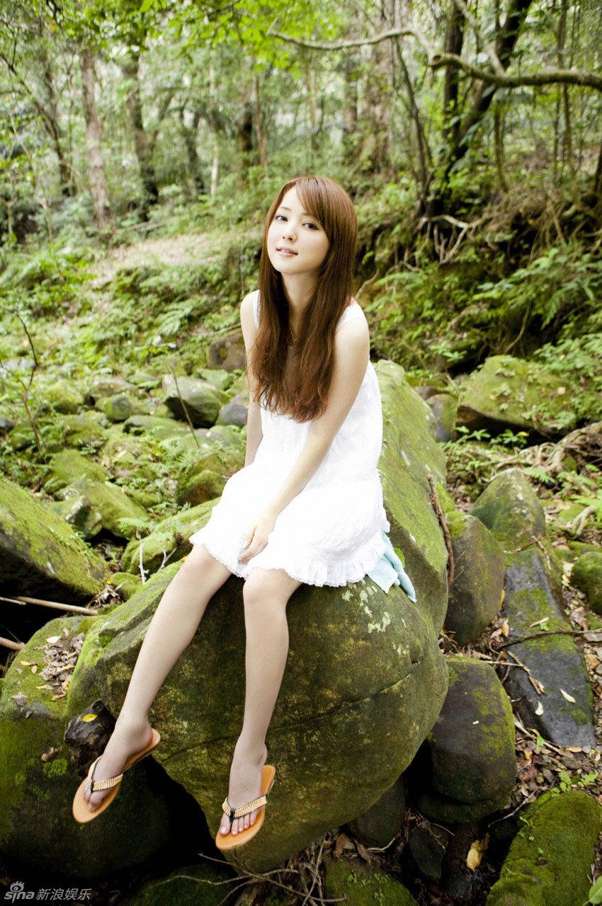 小姐检阅超靓美妞_06.28][明星]日本靓模佐佐木希夏日写真(高清套图)