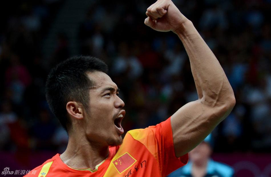 新浪娛樂訊 北京時間8月5日,林丹摘得倫敦奧運會羽毛球男單冠軍,也成為歷史上首位衛冕奧運男單冠軍的選手。外形時尚的林丹,也為眾多雜志拍攝寫真,霸氣外露。