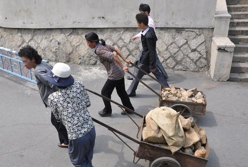 北朝鲜人民生活_朝鲜人的生活