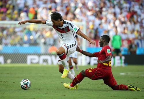 德国vs加纳球迷闯入_德国vs加纳高清图集_2014比赛专题_新浪体育