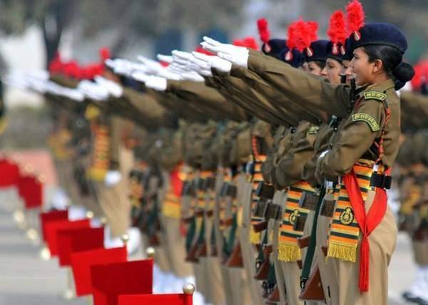 日本女兵方队_印度女兵方队亮相国庆阅兵式 – 铁血网