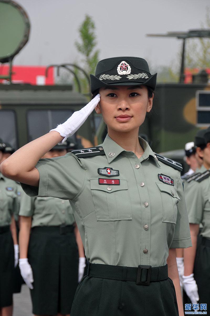 陆军军官短袖夏常服_女预备队员穿着07式短袖夏常服 07式预备役军服 海军男...