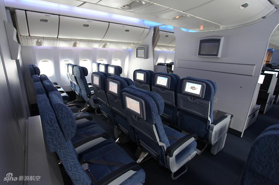 色播777_国航777-300er客机经济舱全图