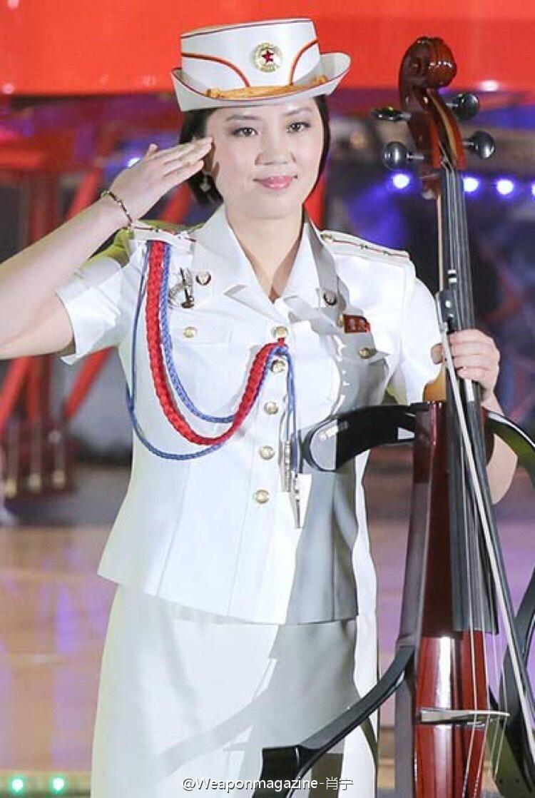 朝鲜女屄_朝鲜牡丹峰乐团美女穿超短裙献艺