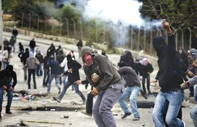 巴以冲突中东地�_耶路撒冷爆发严重巴以冲突