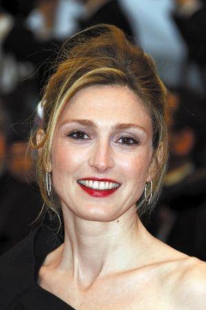 法杂志称女演员朱莉-加耶系奥朗...
