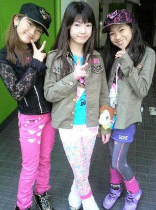 日本小学生_组图:日本小学生早熟打扮性感度令人咋舌_新浪教育_新浪网