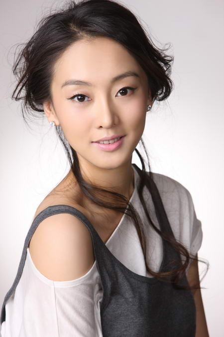 宣化鑫光大刘洋36分_资料图片:国家话剧院女演员--刘洋