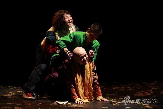 祖宗十八代_穿越剧《祖宗》五一热演获上海观众肯定(图)_影音娱乐_新浪网