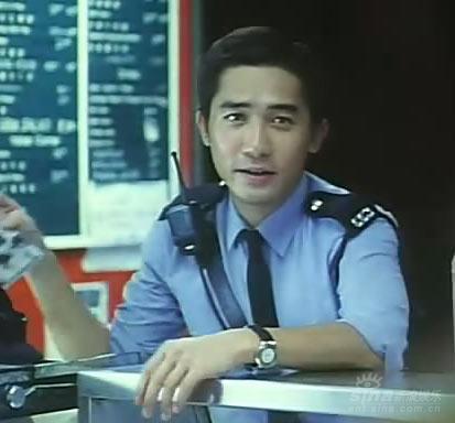 蓝莓之夜电影_王家卫电影经典男性形象之《重庆森林》梁朝伟_影音娱乐_新浪网