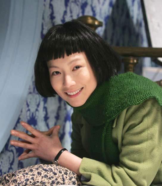 上海女人视频下载_盘点郑秀文银幕百变造型:上海女人(图)