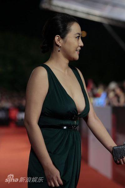 台湾金马奖_图文:金马奖红毯-郝蕾着装大胆_影音娱乐_新浪网