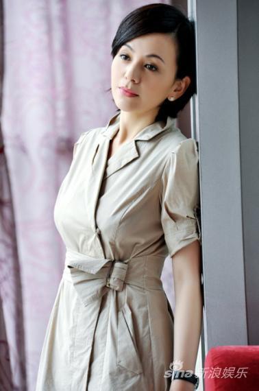 喜欢跳舞的女人_演员王琳最新写真曝光 优雅淡定有成熟风韵(图)_影音娱乐_新浪网