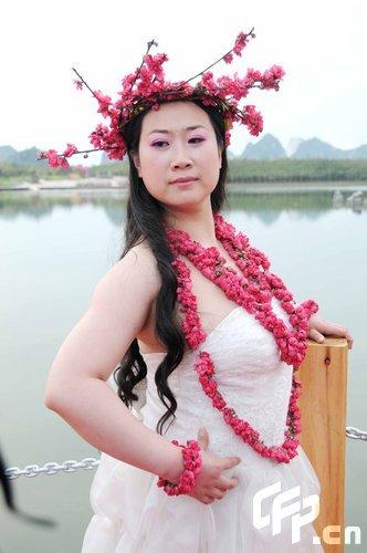 组图:芙蓉姐姐变桃花仙子潜心修炼欲上春晚