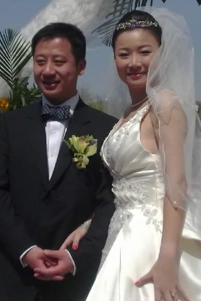 叶蓓完婚洒幸福泪陈楚生送洗衣板当贺礼(组图)