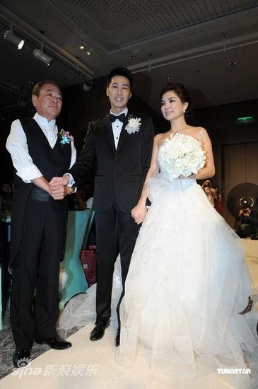 eall婚礼_e组合成员ella与马来西亚富商男友赖斯翔的婚礼在台北举行.