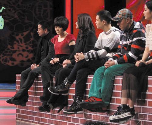 昨日,趙本山攜《鄉村愛情小夜曲》(以下簡稱《鄉5》)劇組在北京舉辦該圖片