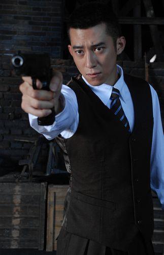 导演张敏_《枪械师》艰苦拍摄 鲁诺化身乱世海归_影音娱乐_新浪网