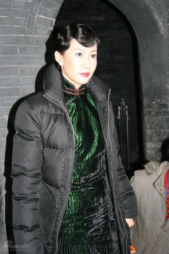 粉嫩美穴12p_本剧是根据作家苏童的小说《米》和贾平凹的小说《五魁》,《美穴地》