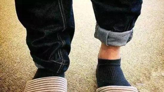 最后的小脚_这才是正确挽裤脚的方式|卷裤脚|牛仔裤|小脚裤_新浪时尚_新浪网
