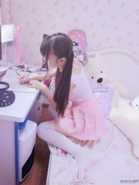 日本小学女生白丝_白丝小学生-__新浪游戏_新浪网-梨子网