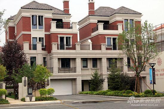 結合西方的設計理念,中西合并打造了一座高尚的品質別墅.