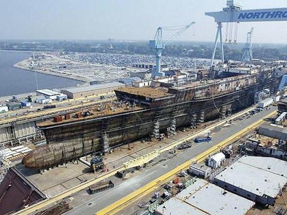 正在船塢中建造的CVN-78號航母。
