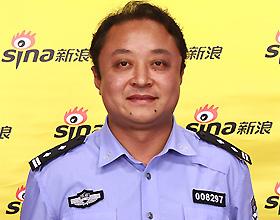 首都国际机场公安分局东航站区派出所副所长潘建强