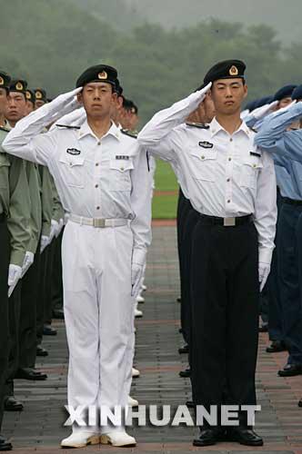 军官夏常服_图文:解放军新式海军军官长袖夏常服_新浪军事_新浪网