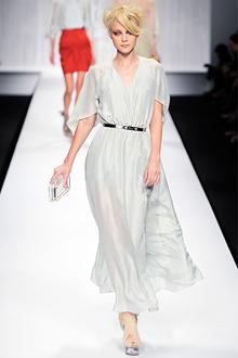 Гламурная коллекция Fendi сезона весна-лето 2010.