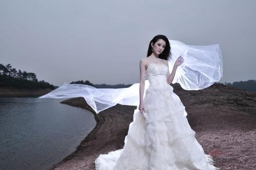 人体艺术高清掰穴_供摄影家创作唯美的婚纱摄影作品和天人合一的人体艺术作品.