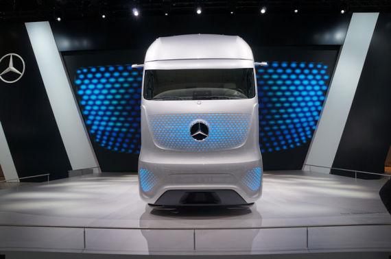 室内设计者联盟_戴姆勒震撼亮相2014德国IAA商用车展_新浪汽车_新浪网