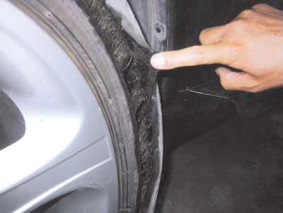 汽车轮胎气门嘴_宝马车得轮胎被在破了以后还能继续行驶吗-