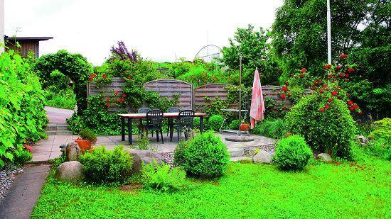 欧洲的农庄一定要有花园,花园的设计师一般都是农庄主人,也许,这也是学习自然生活的最好方式之一