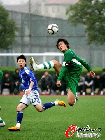 北京八喜�y.d:`�_图文-[热身赛]绿城3-1北京八喜杜威表现抢眼