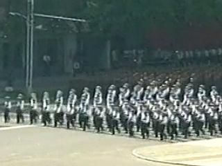 朝鲜鹅式步伐视频_纪念朝鲜战争60周年视频集